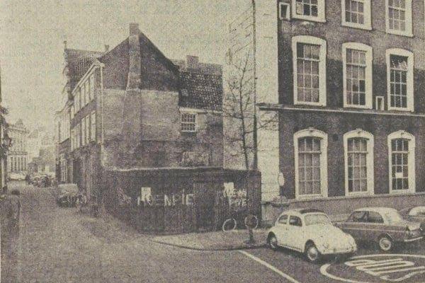 De hoek Pieterskerkgracht/Lokhorststraat in 1967